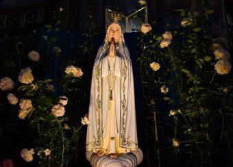 Akt poświęcenia kościoła w Polsce Najświętszemu Sercu Jezusa i Niepokalanemu Sercu Maryi